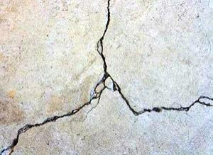 3 Solusi Memperbaiki Balok Beton yang Retak