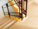 cara-memasang-keramik-tangga