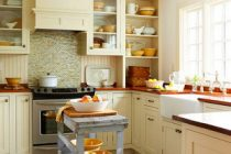 dapur-sempit-terasa-lapang