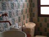 jenis-desain-keramik-kamar-mandi6