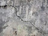 cara-dempul-tembok-retak
