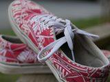 cara-menghilangkan-bau-sepatu