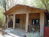 desain-rumah-berbahan-bambu