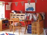 kamar-tidur-anak-warna-merah