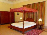 mendekorasi-kamar-tidur-romantis