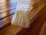 mengecat-ulang-lantai-kayu