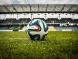stadiona-sepakbola-rumput-sintetis